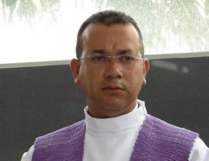 sacerdote Renato Azevedo