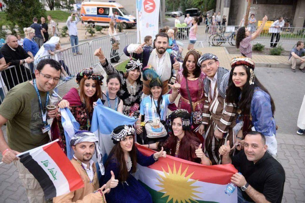iraq_people_wyd04
